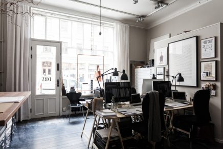 Kantoor van design studio uit stockholm inrichting - Studio indeling ...