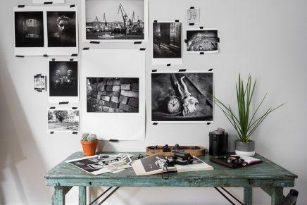 Kantoor ingericht als een vintage fotokamer