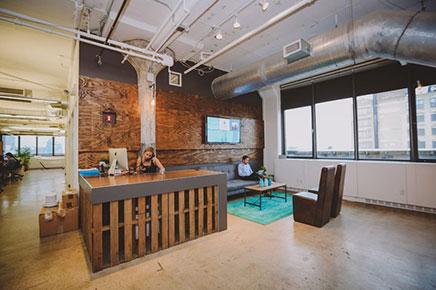 Kantoor ontwerp van marketing bedrijf sailthru inrichting - Ontwerp huis kantoor ...