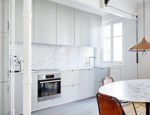 Karakteristiek appartement uit Parijs met verschillende interieurstijlen