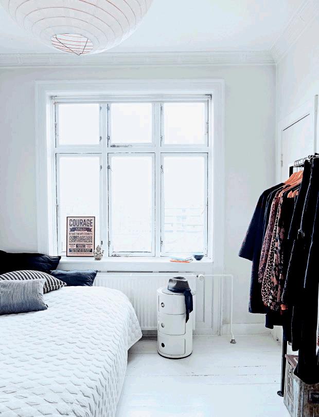 kartell-nachtkastje-wit