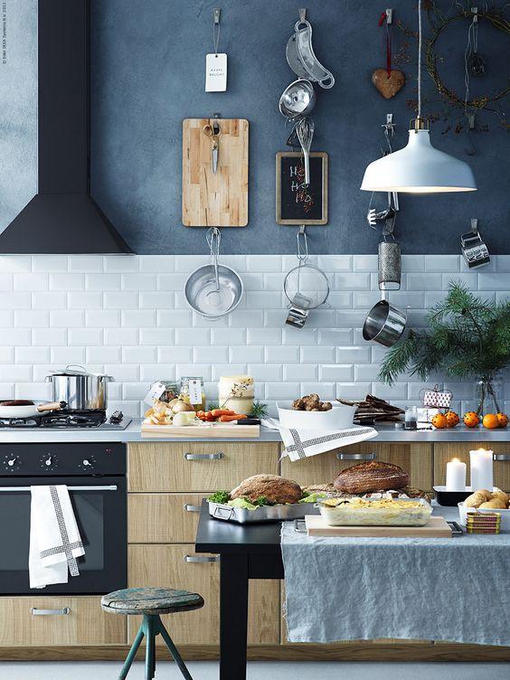 keuken-achterwand-tegelen-tot-afzuigkap