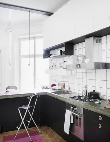 Keuken met inham van Marokkaanse tegels