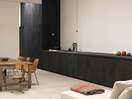Strakke Zwarte Keuken : Keuken in voormalige schoenfabriek inrichting huis.com