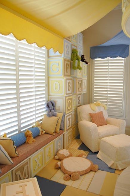 Kinderzimmer mit einem Karussell