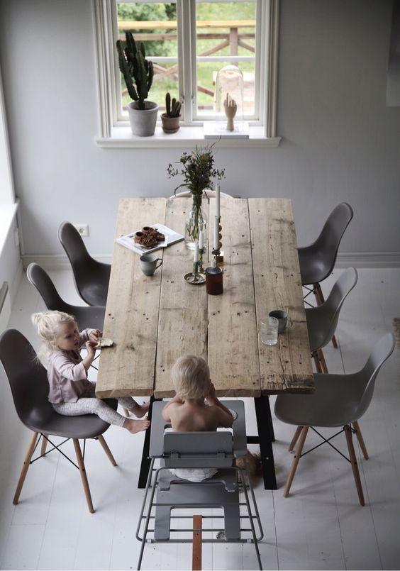 kinderstoel-aan-eettafel