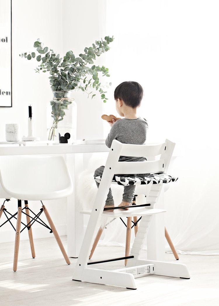 kinderstoel-aan-tafel