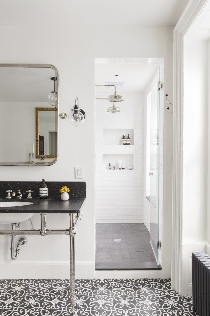 Klassieke badkamer met mooie patroontegels  Inrichting-huis.com