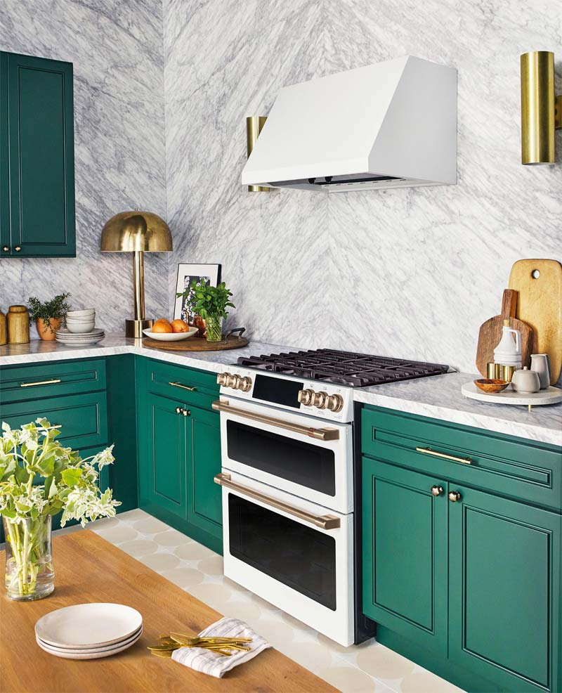 klassieke smaragdgroene keuken