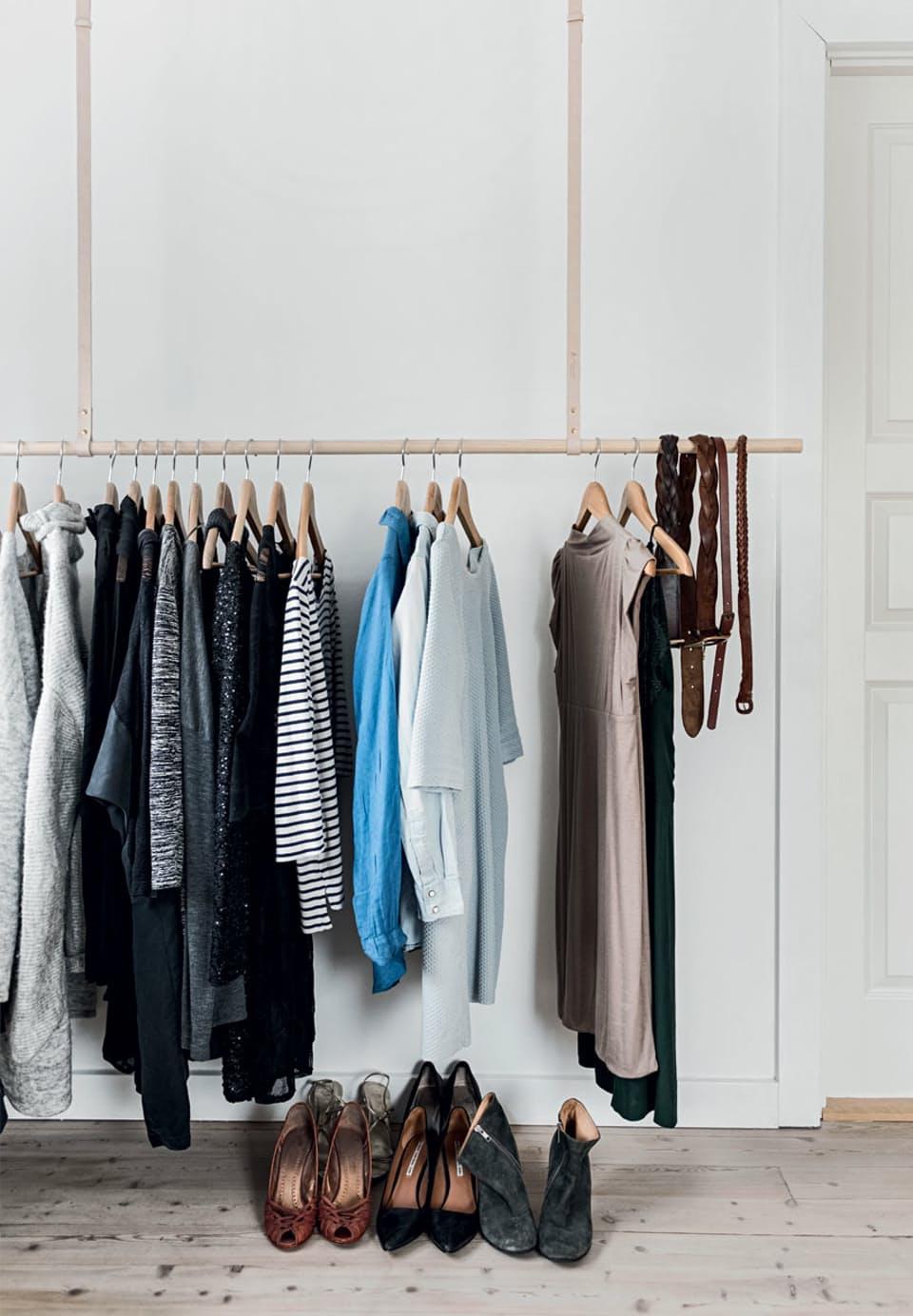 kledingrek-hangen-plafond