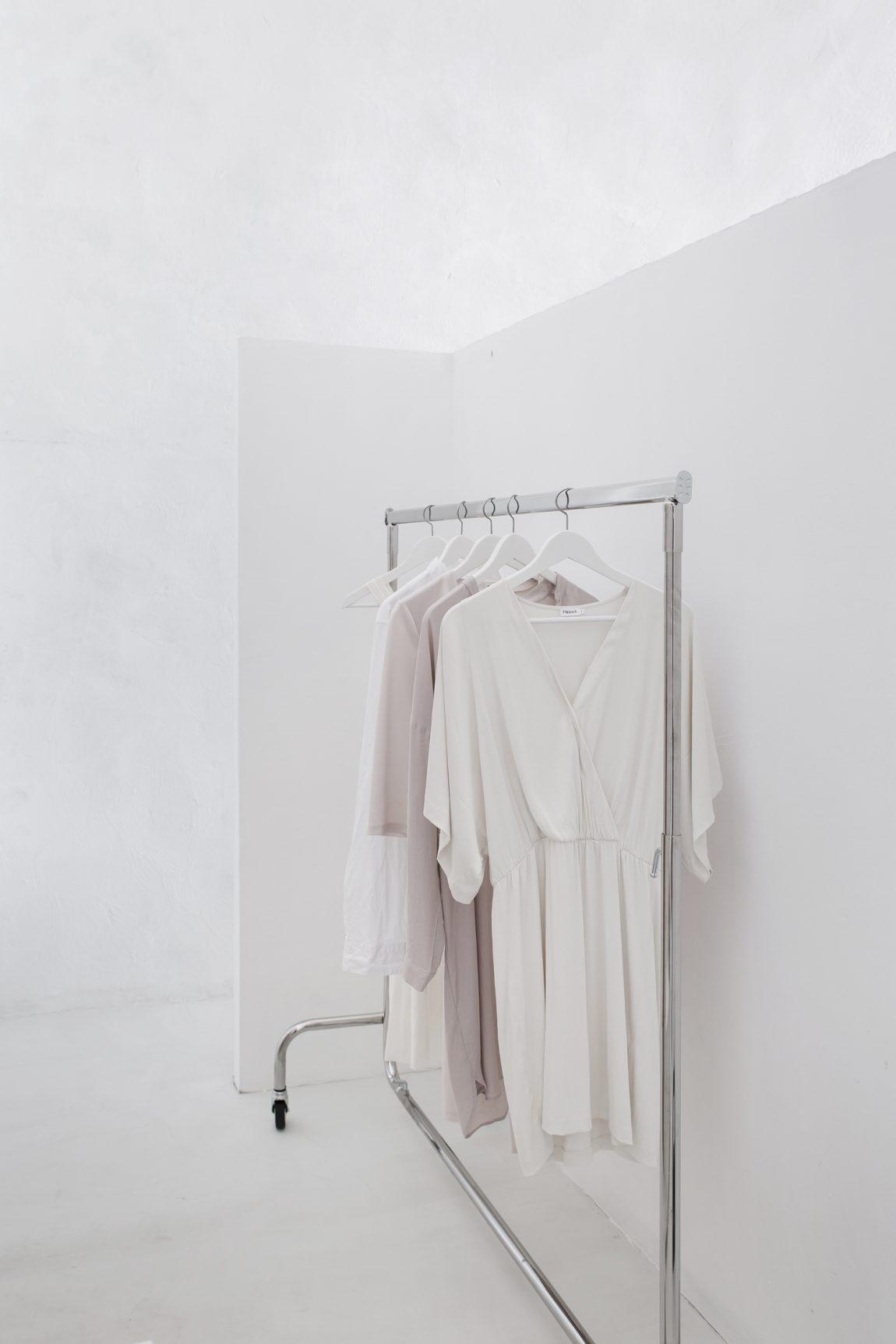 kledingrek-wielen-sophia-suites