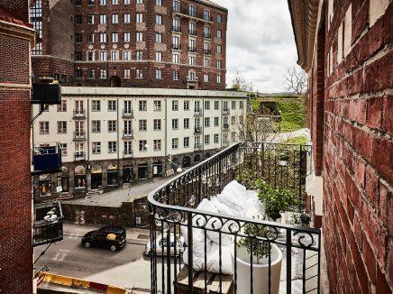 Houten Balkon Meubels : Klein knus balkon met houten pallets inrichting huis