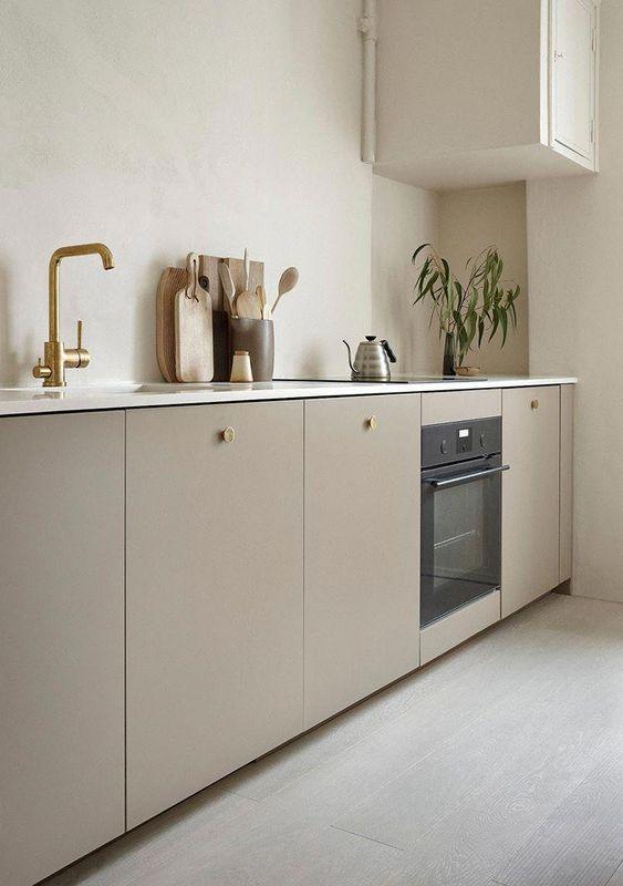 Kleine keuken taupe