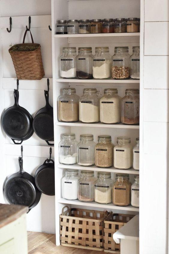 Kleine keuken voorraadpotten