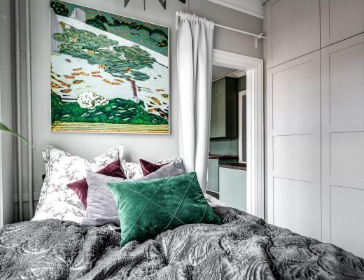 Kleine slaapkamer met grote inbouwkast