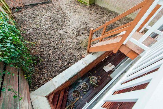 kleine-stadstuin-betonbak-balkon-trap