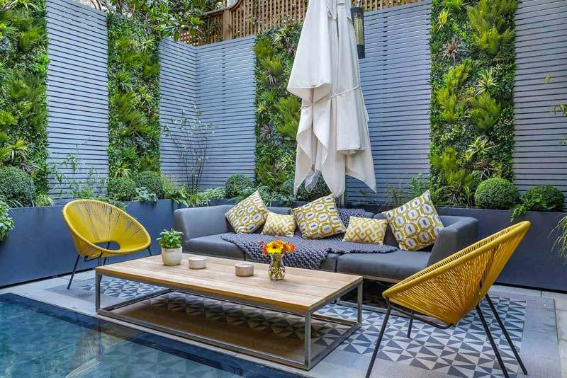 kleine tuin ideeën smalle vaste plantenbakken