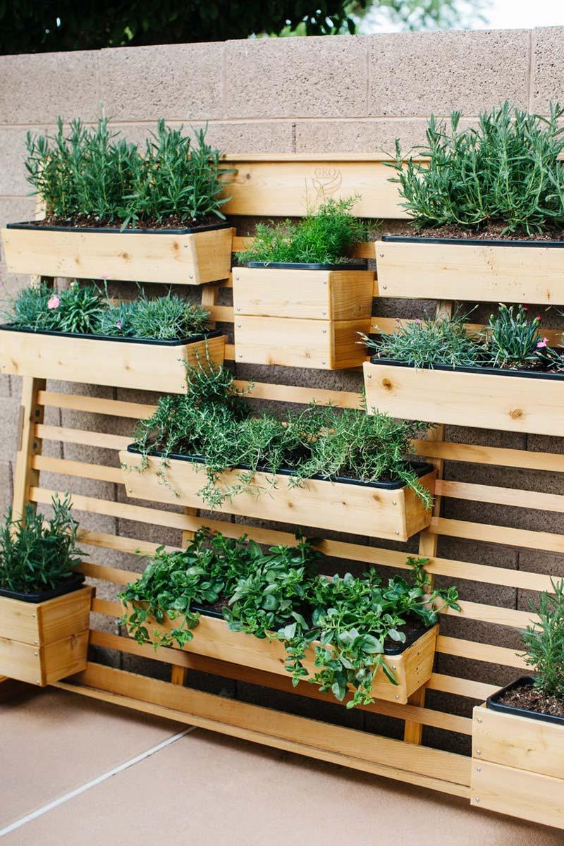 kleine tuin ideeën verticale moestuin