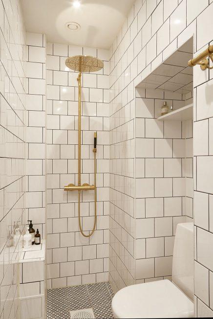Kleine witte badkamer met gouden details | Inrichting-huis.com