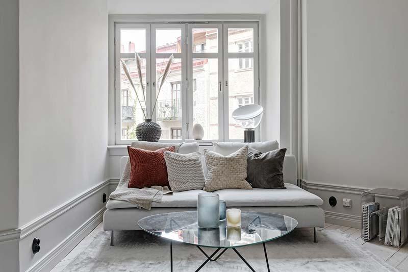 kleine zithoek wit interieur
