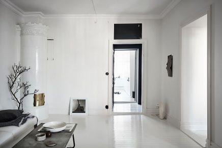 Inloopkast In Tussenkamer : Kleine zwarte werkplek in de tussenkamer inrichting huis