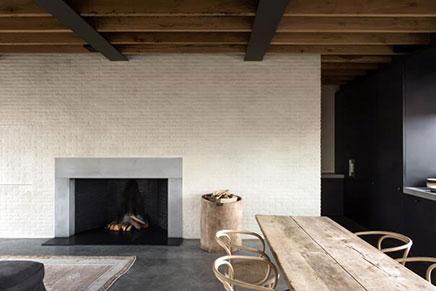 Knusse woonkamer met industriële details