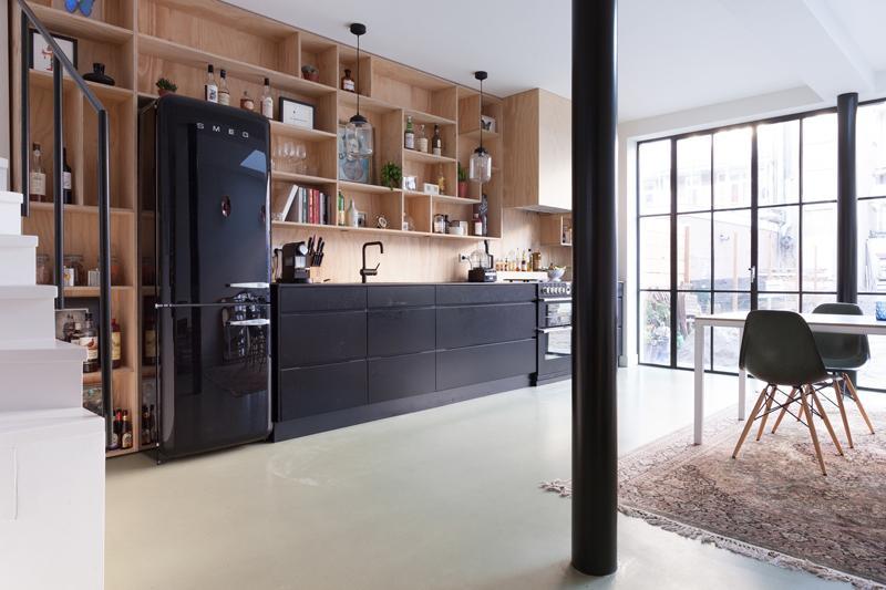 koelkastombouw zwarte smeg koelkast