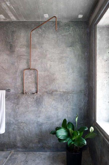 Koper in badkamer