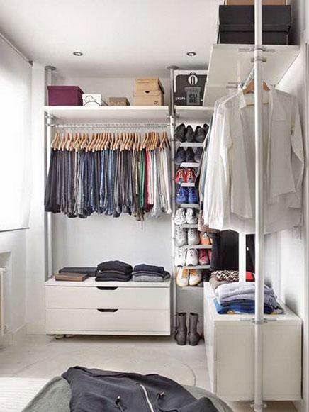 L-vormige IKEA inloopkast