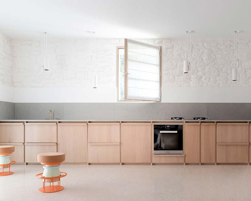 lage houten keukenkasten