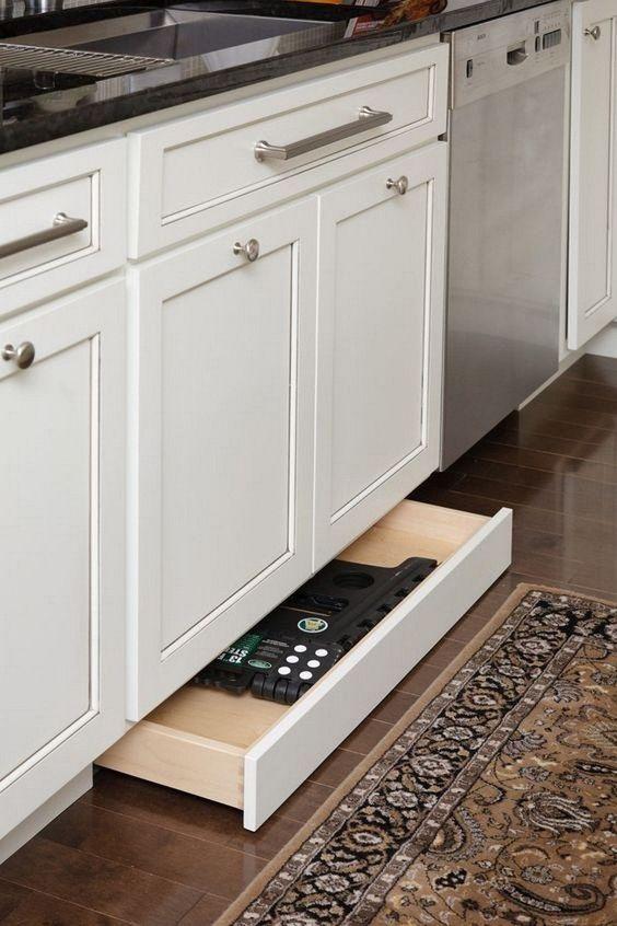 Kleine keuken lades onderkant keukenkasten