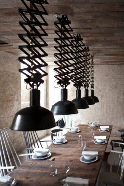 Lamp boven eettafel