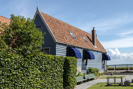 Landelijk wonen in dijkhuis in Durgerdam Amsterdam