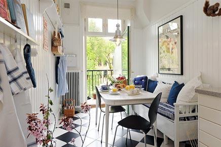 Landelijke keuken met balkon