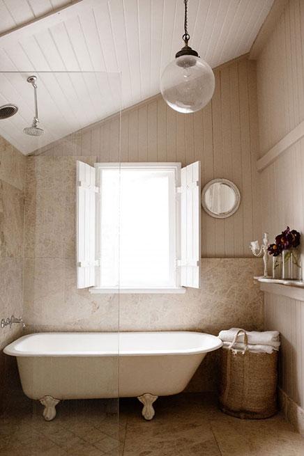 Landelijke woning van stylist kara rosenlund inrichting for Queenslander bathroom designs