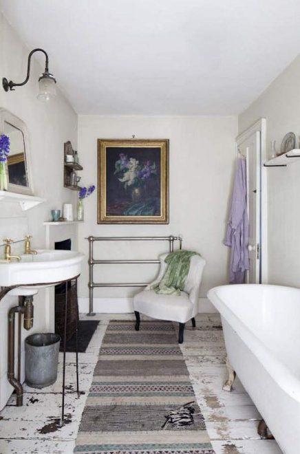 Langwerpige vloerkleed in badkamer