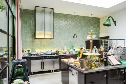 Tegels Wand Keuken : Aluminium achterwand keuken best metallic glazen achterwand rvs