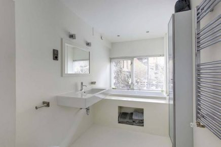 Lichte badkamer souterrain
