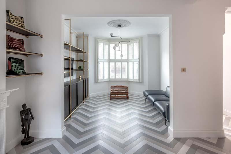 lichte visgraat vloer woonkamer