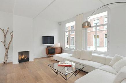 Lichte woonkamer met compacte open keuken inrichting - Keuken open voor woonkamer ...