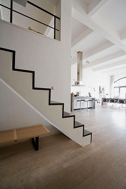 Lichte loft appartement verkocht in amsterdam inrichting for Loft appartement