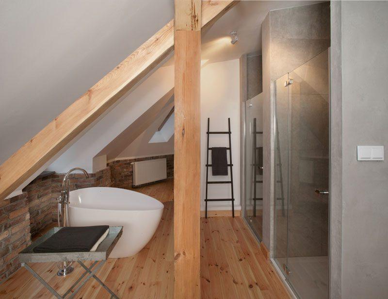 loft-badkamer-ovaal-bad