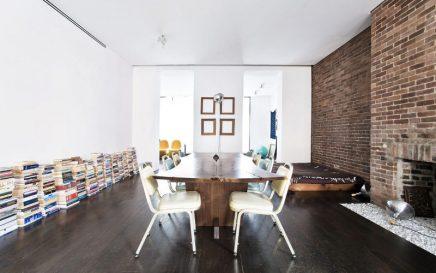 Loft woonkamer in oude Joodse school
