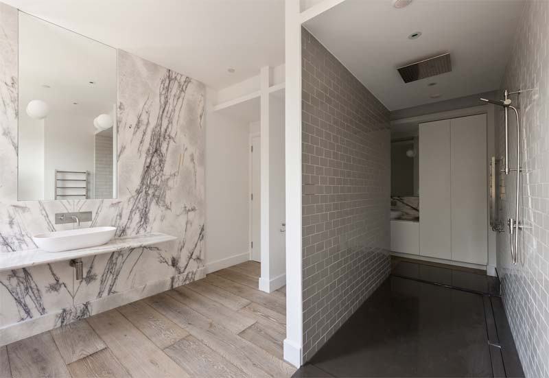 luxe badkamer ruime inloopdouche inloopkast