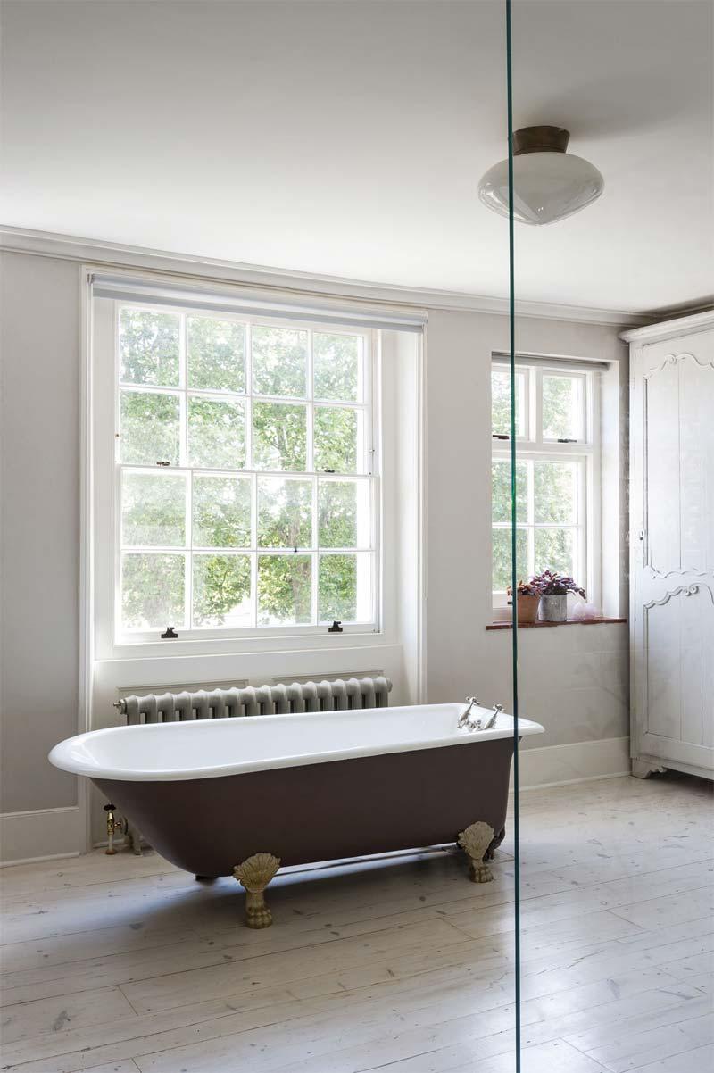 luxe romantische badkamer vrijstaand bad pootjes