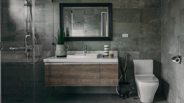 Luxe spa badkamer met bubbelbad