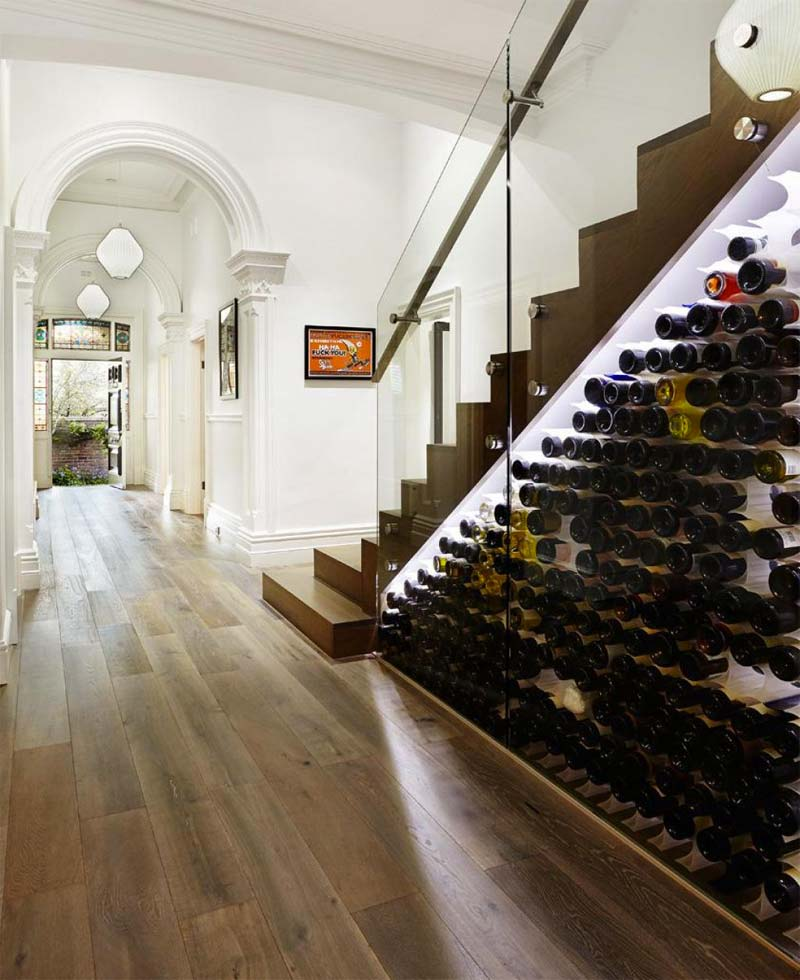 luxe wijnkast trapkast