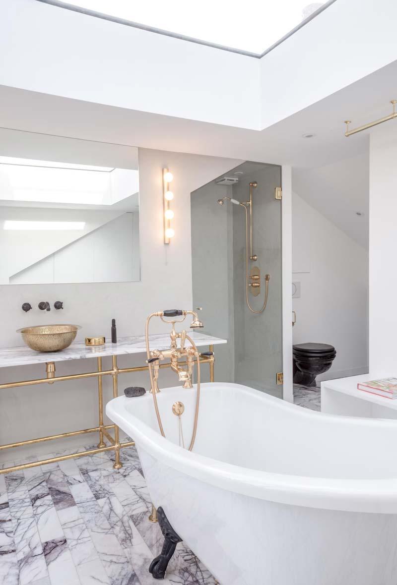 luxe zolderbadkamer