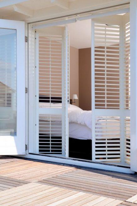 Luxe zonwering binnen en buiten inrichting - Binnen houten huis ...