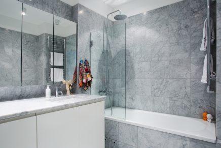 Marmer in badkamer